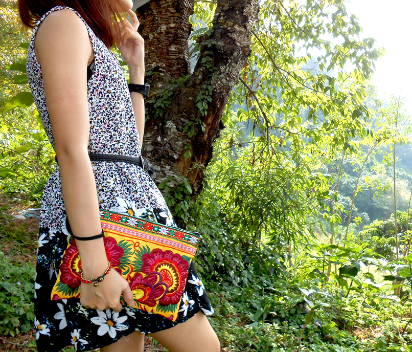 Clutch Wristlet Bag Embroidery Yellow Fabric Chinese Hmong Hilltribe Thailand (KP1053)