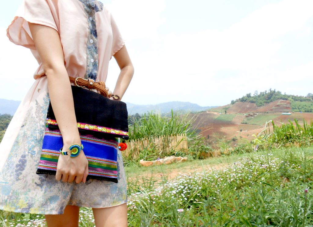 Handmade Clutch Bag Tribal Patterned Fabric, Scalable, Fashion bags Hill Tribe. (KP1205)